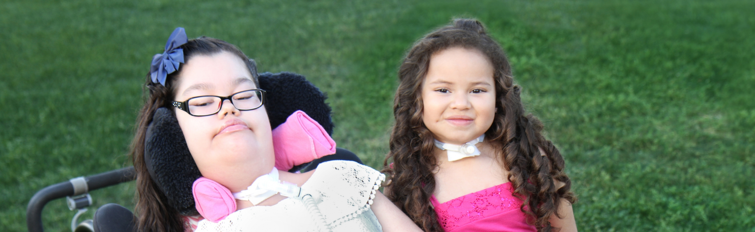 Photo of Adrianna and Arianna (cropped)