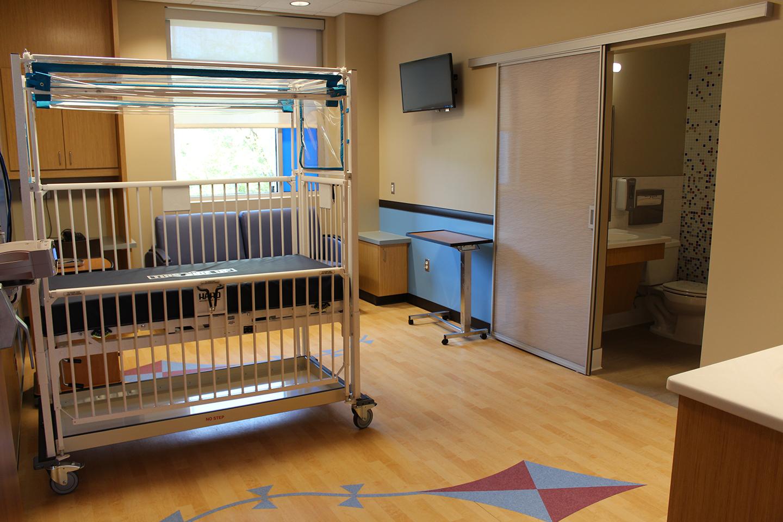 Patient-Room-Sky_IMG_1246_LR